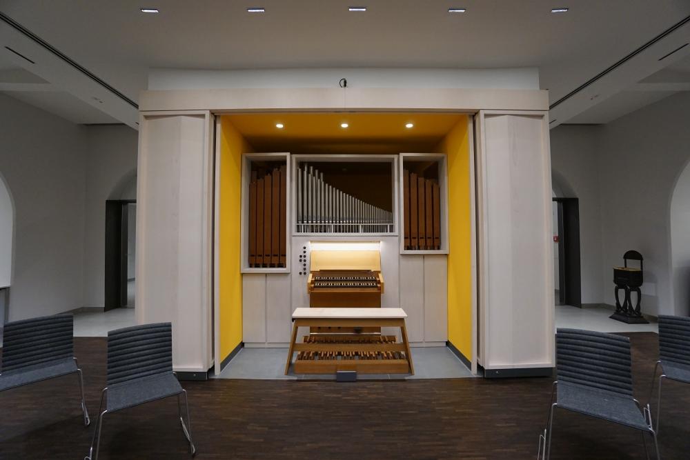 Barock-Orgel im Festsaal der Auferstehungskirche